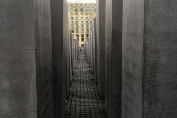 遊記|邁向冰島 – 06〈柏林|恐怖地形圖&猶太人紀念碑〉